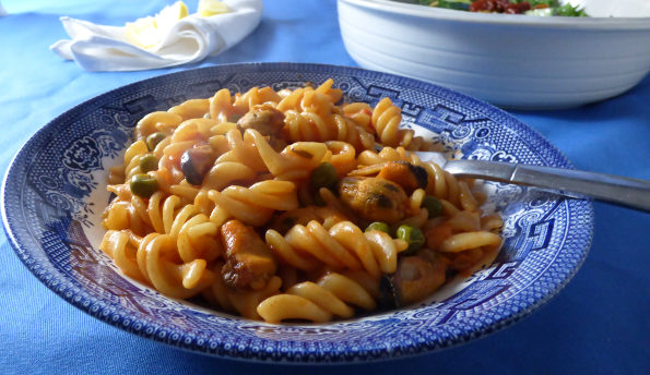 Spanish Style One Pot Mussel Pasta