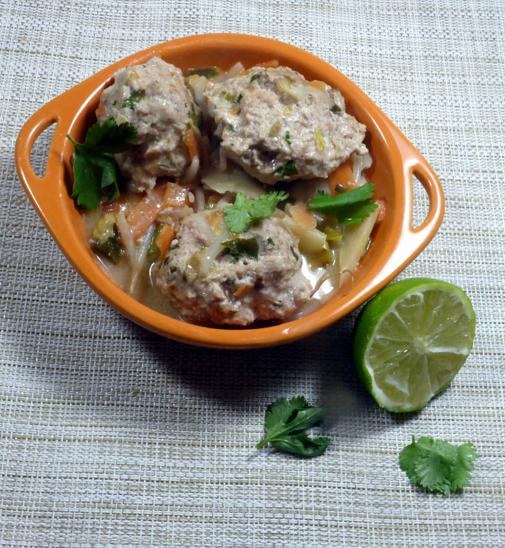 Pork Meatball Stirfry with Lime and Coriander (Cilantro)
