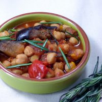 slow cooker chickpeas with paprika and rosemary