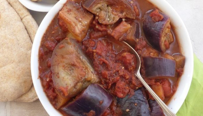 Spicy Aubergine in Tomato Sauce with Sumac